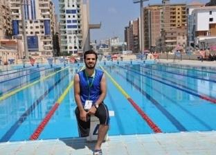 """""""رُب إصابة نافعة"""".. محمود بطل سباحة ونجم كرة بـ""""قدم واحدة"""""""