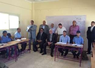 فودة يتفقد مدرسة الشهيد أيمن عبدالحميد ويستمع لشرح المعلمين برأس سدر