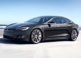 """""""3 موديلات جديدة"""".. """"تسلا"""" رائدة في إنتاج السيارات الكهربائية"""