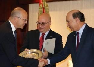"""مميش يشهد توقيع عقدين بين """"البافارية وبورسعيد للتنمية"""" بـ70 مليون يورو"""