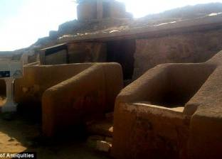"بالصور| مقبرة بناة هرم خوفو.. ""من يدخلها سيصيبه لعنات وشرور"""