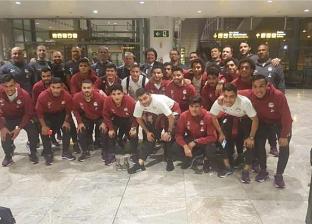 """مدرب منتخب مصر يبحث عن لاعبين على فيس بوك.. ومتابعيه: """"الحجز من كام؟"""""""