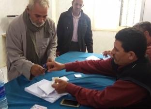 إقبال كثيف من الناخبين على لجان الاستفتاء في مسقط رأس محمد مرسي