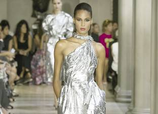 """""""البنك الدولي"""": صناعة الموضة أصبحت خطرا على العالم"""