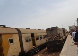 اصطدام قطار بسيارة نقل على خط منوف كفر الزيات