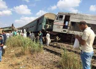 اللقطات الأولى من موقع حادث تصادم قطارين بالإسكندرية