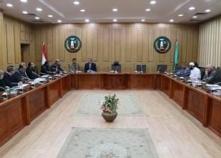 """سكرتير محافظ المنوفية يبحث 21 شكوى وطلبا في لقاء """"خدمة المواطنين"""""""
