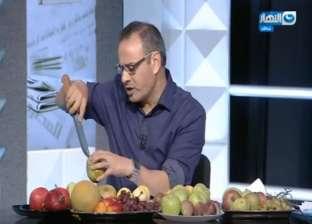 القرموطي يظهر بأطباق فاكهة على الهواء اعتراضًا على ارتفاع أسعارها