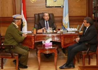 محافظ كفر الشيخ يناقش مواجهة التعديات على الأراضي الزراعية