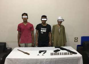 """أسرة """"مسلحة"""" تعتدي على مدرس بـ""""الخرطوش"""" في أسيوط"""