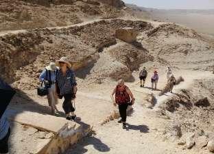 المناطق الأثرية تستقبل وفدا سياحيا من ألمانيا وأستراليا في المنيا