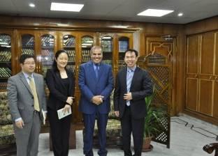 رئيس جامعة الأزهر يستقبل وفدا من السفارة الصينية