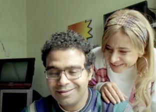 """الحلقة 3 من مسلسل """"بـ100 وش"""".. """"سكر"""" تهدد """"عمر"""" بفيديوهات النصب"""