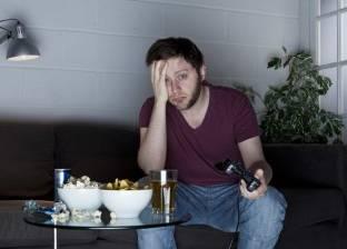 دراسة بريطانية: تناول الطعام وحيدا يسبب التعاسة
