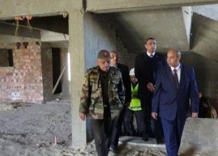 رئيس جامعة المنيا يتفقد تجهيزات غرف المرضى بمستشفى ثلاثي الأجنة