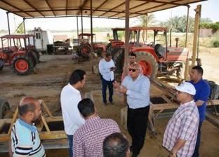 """محافظ الوادي الجديد يتفقد محطة الميكنة الزراعية في """"الخارجة"""""""