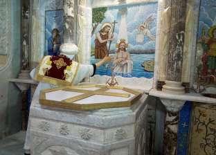 بعد تجديدها.. الأنبا دانيال يدشن الكنيسة التي بها مقر إقامته بكوتسيكا