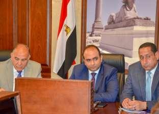 بحث معدلات تنفيذ مشروعات الصرف الصحي في الإسكندرية
