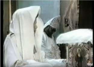 فيديو نادر.. لحظة وفاة الأنبا مكاريوس أثناء صلاة القداس الإلهي