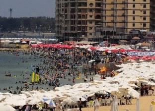 منقذو الشواطئ.. وظيفة الشباب فى الصيف