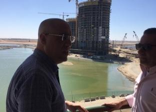 وزير الإسكان يقوم بزيارة مفاجئة لمتابعة تنفيذ المشروعات بالعلمين الجديدة