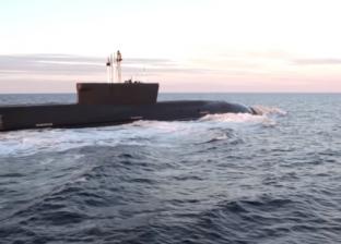 بالفيديو| غواصة «يوم القيامة» بصدد النزول إلى الماء