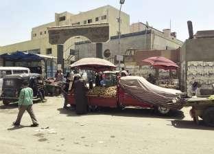 مدخل مستشفى «أم المصريين»: حلوى و«شباشب» ولعب أطفال