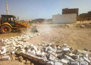 إزالات فورية لتعديات على أراضي الدولة ورفع مخلفات بمدن أسوان