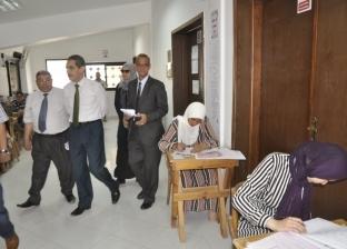رئيس جامعة قناة السويس يتابع الامتحانات داخل الكليات