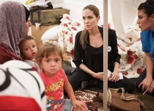 إنجيلينا جولي تدعو إلى إبداء السخاء في أزمة المهاجرين