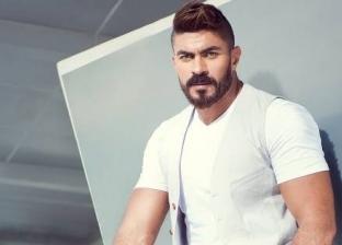 """خالد سليم يؤدي مناسك العمرة قبل تصوير """"بلا دليل"""""""