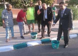 بالصور| رئيس جامعة أسيوط يتفقد أعمال تجديد وتزيين الحرم الجامعي