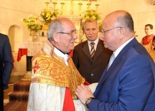 """محافظ القاهرة يشارك الأرمن الكاثوليك والأرثوذكس قداس """"عيد القيامة"""""""