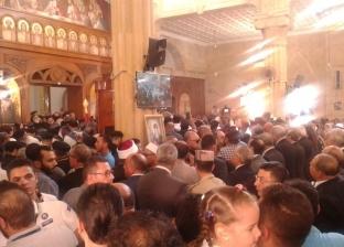 محافظ كفر الشيخ ودمياط يصلان لحضور جنازة الأنبا بيشوي
