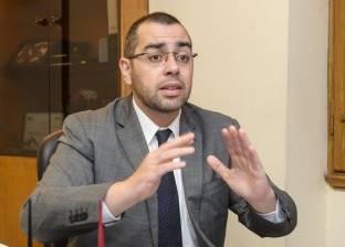 نائب يطالب بإجراء الفحوصات الطبية للطلاب داخل المدارس منعًا للتكدس