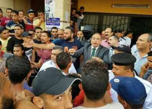 بالصور| مدير أمن بورسعيد يطمئن على مصابي حادث طريق بورسعيد-الإسماعيلية