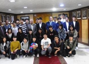 بالصور| محافظ أسوان يستقبل وفد شبابي من الطلاب اليابانيين
