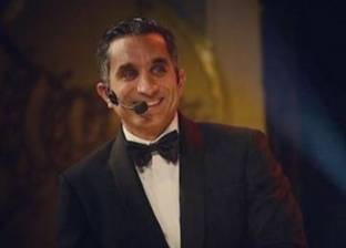 """باسم يوسف معلقا على صورة جلسة الصلح بين """"صلاح"""" و""""موسى"""": """"ميري كريسماس إيفري ون"""""""