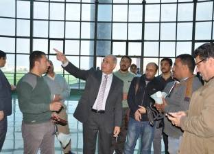 """بالصور  رئيس جامعة كفر الشيخ يتابع تركيب """"الاستدعاء الآلي"""" بالمستشفى الجامعي"""