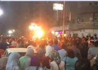 توقف حركة المرور بشارع الهرم.. والمحتفلون بالمنتخب يتسلقون السيارات