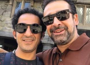 كريم عبد العزيز ينشر صورة مع أحمد حلمي: «صديقي الغالي»
