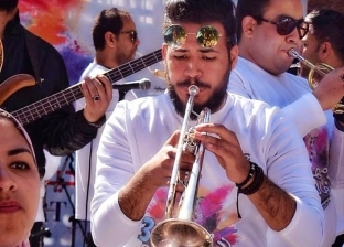 """""""هشام"""" من فريق """"Drum Light"""" للمشاركة في مهرجان الفنون"""