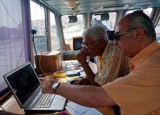 """رئيس """"النقل النهري"""" يتفقد أعمال التكريك بجزيرة الوراق"""