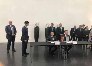 """مدبولي يشهد توقيع اتفاقية لإنتاج """"مرسيدس"""" سياراتها بمصر"""