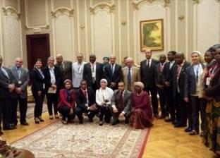 """وفد برلمان مالاوي يزور متحف """"النواب"""" ويلتقط الصور التذكارية"""