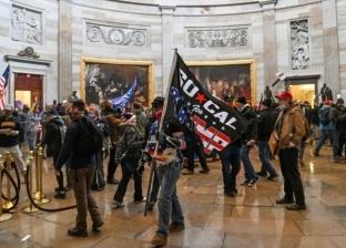 صور.. 5 مشاهد من فوضى واشنطن بعد اقتحام أنصار ترامب مبنى الكونجرس