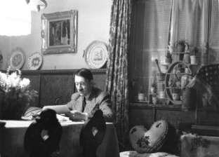 دراسة جديدة تحسم الجدل حول وفاة أو انتحار هتلر