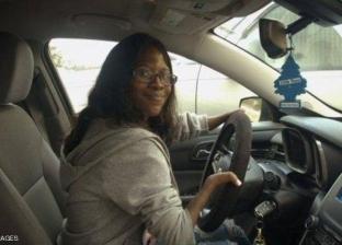 """امرأة من غير يدين تعمل سائقة لأوبر: """"الركاب لا يلاحظون شيئا"""""""