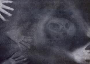 """مصرية على موقع لقصص الجن: """"رأيت وجوه تصرخ على أرض مقابر رشيد"""""""