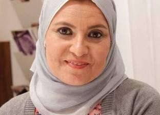 هبة قطب عن منع ابنتها من السباحة بـ«البوركيني»: شعرت بالعنصرية والقهر